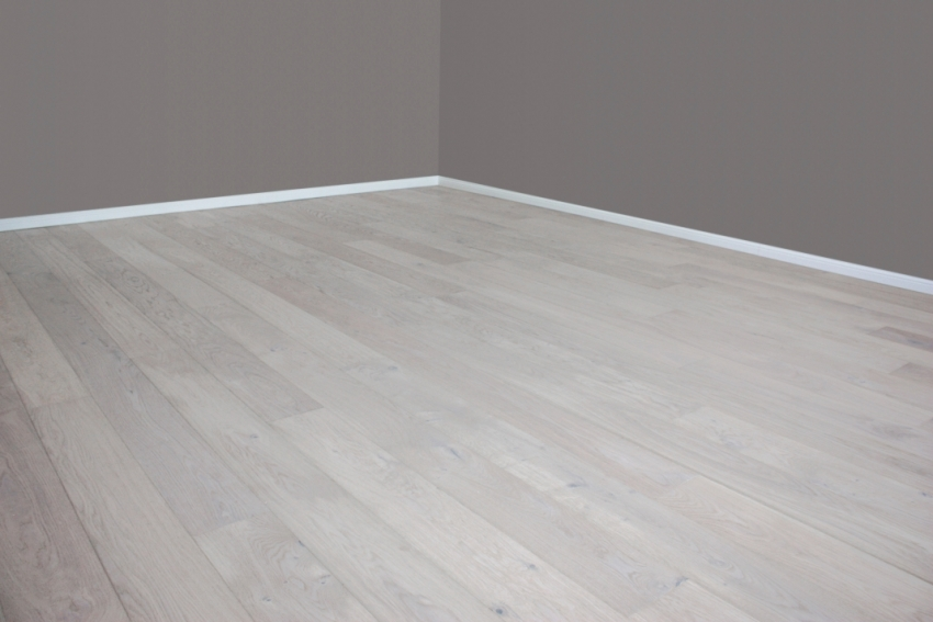 Parkett grau geölt  Eiche weiß geölt gebürstet Landhausdiele Parkett - Tresabo